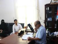 رئيس انتقالي حضرموت يطّلع على التحضيرات للافتتاح الرسمي لمركز خالد بن الوليد الطبي