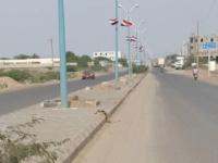 قوات تابعة لطارق محمد عبدالله صالح تداهم منازل مواطنين في المخا