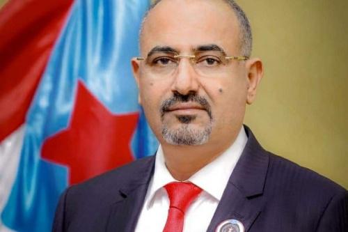 الرئيس الزُبيدي يُعزّي في وفاة التربوي الفاضل محمد علي العيسائي
